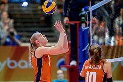 01-04-2017 NED:  CEV U18 Europees Kampioenschap vrouwen dag 1, Arnhem<br /> Nederland - Bulgarije verliest met 1-3 / Demi Korevaar #7