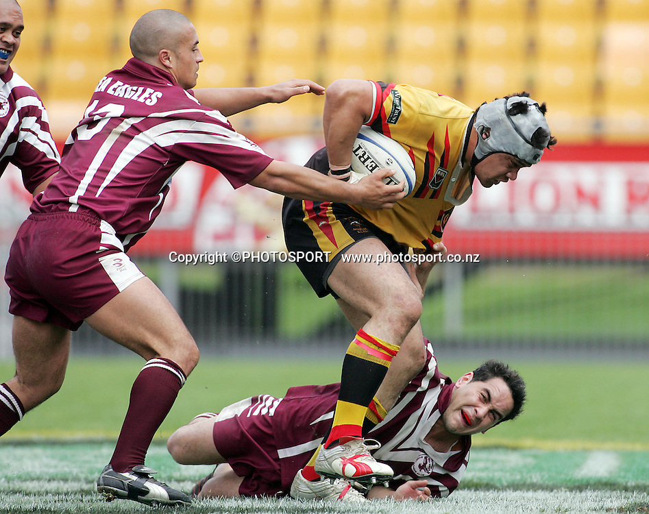 Ioane Tuala during the Fox Memorial Final between Papakura and Manurewa at Ericsson Stadium, Auckland, New Zealand on Sunday September 18, 2005. Manurewa won the match 34 - 24. Photo: PHOTOSPORT