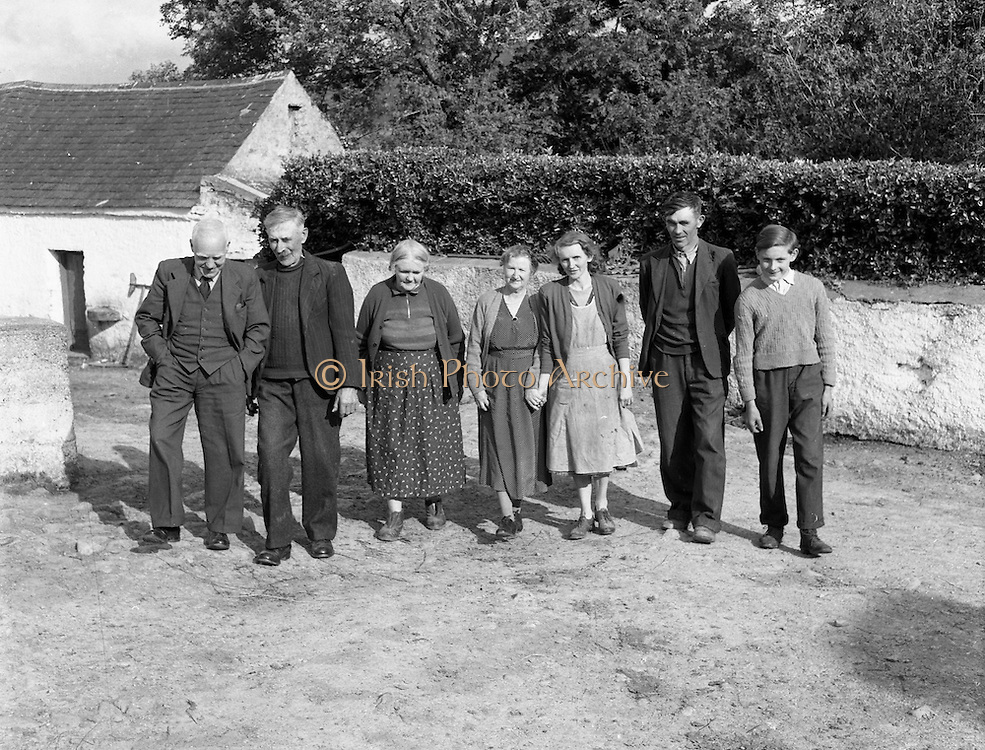 01/02/1957<br /> 02/01/1957<br /> 01 February 1957<br /> Group outside farmhouse, possibly Drinagh, near Bantry Co. Cork.