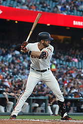 SAN FRANCISCO, CA - JUNE 12: Evan Longoria #10 of the San Francisco Giants at bat against the San Diego Padres during the first inning at Oracle Park on June 12, 2019 in San Francisco, California. The San Francisco Giants defeated the San Diego Padres 4-2. (Photo by Jason O. Watson/Getty Images) *** Local Caption *** Evan Longoria