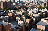 New York. elevated view on Rivington street in Lower east side area, Manhattan  New York, - United states  / Lower east side et Manhattan skyline, Manhattan, New York - Etats-unis