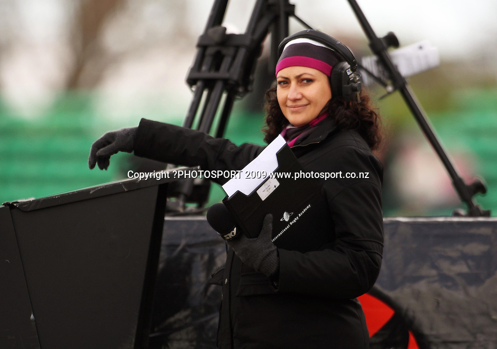 Sky presenter Melodie Robinson.<br /> Air NZ Cup rugby - Manawatu Turbos v Counties-Manukau Steelers at FMG Stadium, Palmerston North, New Zealand, Sunday, 2 August 2009. Photo: Dave Lintott/PHOTOSPORT
