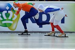 08-01-2012 SCHAATSEN: EC ALLROUND: BUDAPEST<br /> 1500 meter men / Ted Jan Bloemen en Alexis Contin FRA<br /> ©2012-FotoHoogendoorn.nl