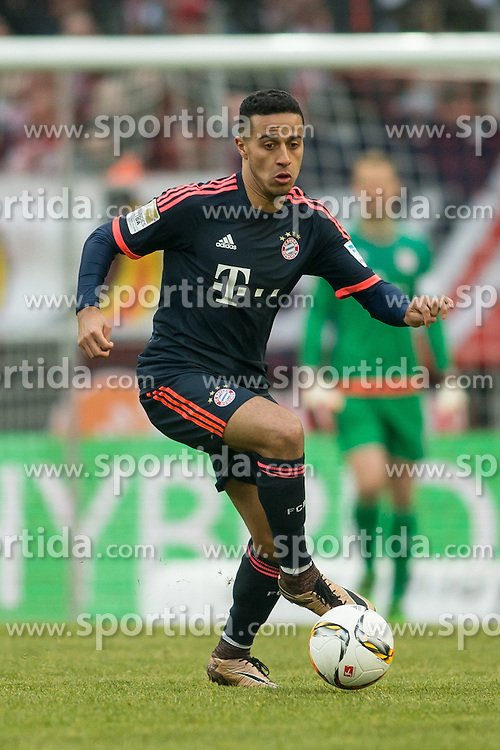 19.03.2016, Rhein Energie Stadion, Koeln, GER, 1. FBL, 1. FC Koeln vs FC Bayern Muenchen, 27. Runde, im Bild Thiago Alcantara (FC Bayern Muenchen #6) // during the German Bundesliga 27th round match between 1. FC Cologne and FC Bayern Munich at the Rhein Energie Stadion in Koeln, Germany on 2016/03/19. EXPA Pictures &copy; 2016, PhotoCredit: EXPA/ Eibner-Pressefoto/ Sch&uuml;ler<br /> <br /> *****ATTENTION - OUT of GER*****