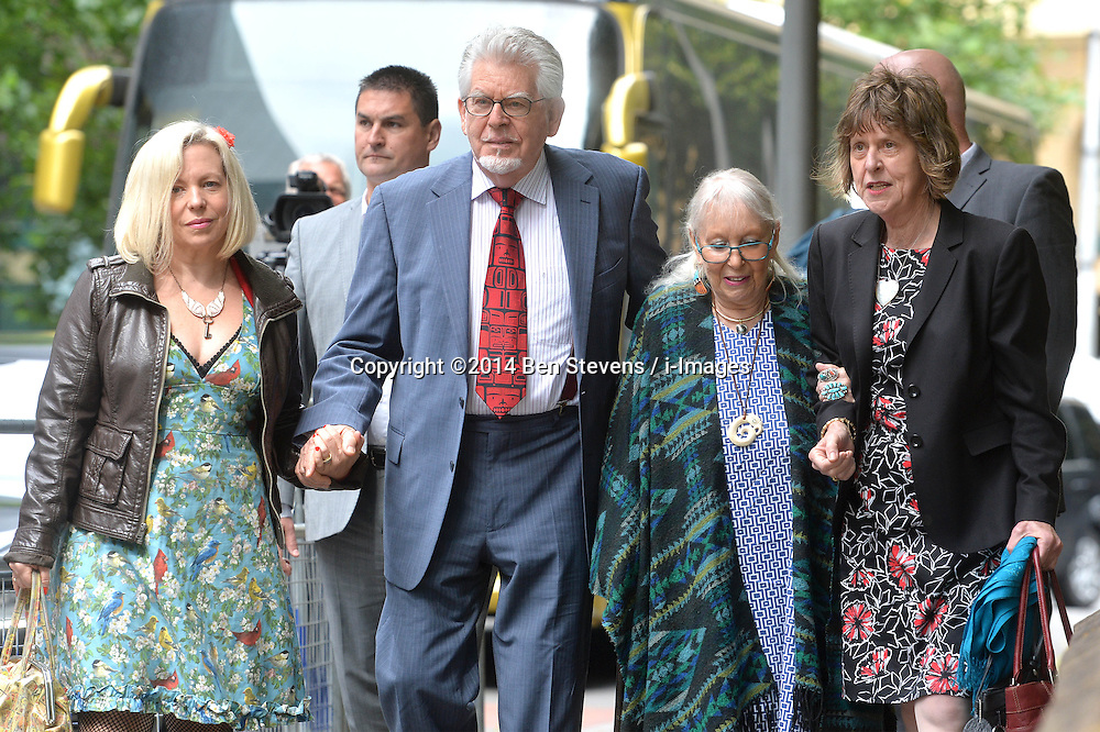Image ©Licensed to i-Images Picture Agency. 27/06/2014.<br /> <br /> Rolf Harris arrives at Southwark Crown Court, London, UK with the support of his family.<br /> <br /> Pictured (l-r) are Bindi Nicholls, Rolf Harris, Rolf's wife Alwen Hughes and Rolf's niece Jenny.<br /> <br /> <br /> Picture by Ben Stevens / i-Images