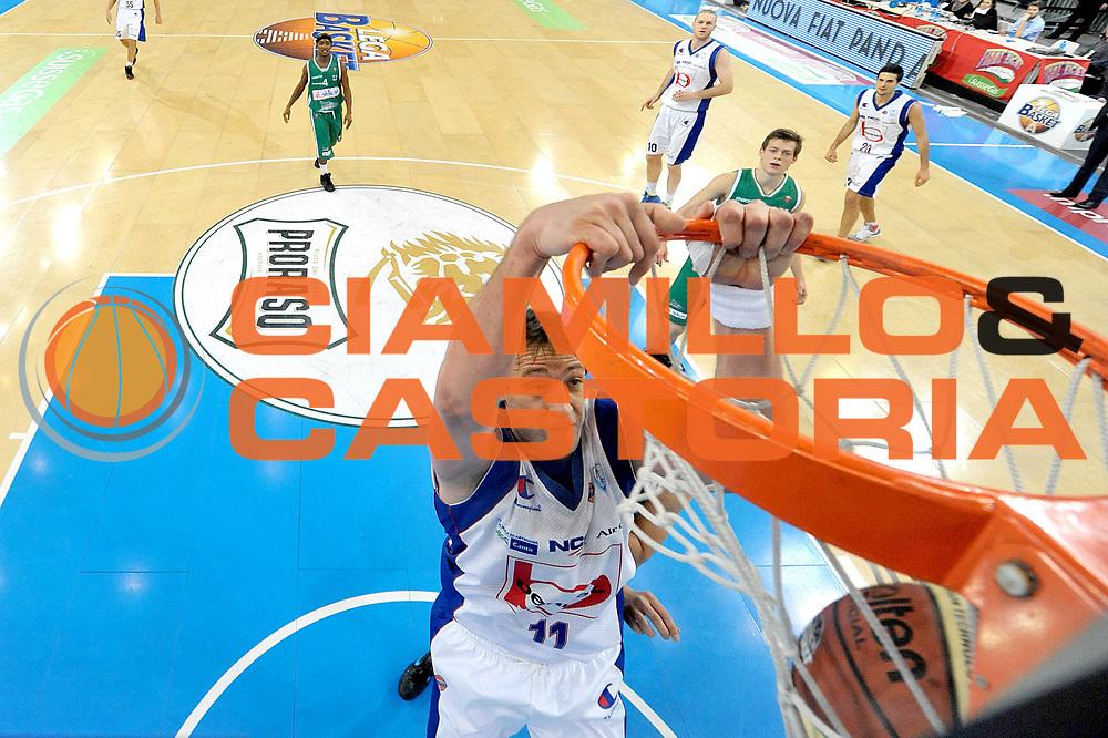 DESCRIZIONE : Torino Coppa Italia Final Eight 2012 Quarti Di Finale Bennet Cantu Sidigas Avellino<br /> GIOCATORE : Denis Marconato<br /> CATEGORIA : special schiacciata<br /> SQUADRA : Sidigas Avellino<br /> EVENTO : Suisse Gas Basket Coppa Italia Final Eight 2012<br /> GARA : Bennet Cantu Sidigas Avellino<br /> DATA : 17/02/2012<br /> SPORT : Pallacanestro<br /> AUTORE : Agenzia Ciamillo-Castoria/C.De Massis<br /> Galleria : Final Eight Coppa Italia 2012<br /> Fotonotizia : Torino Coppa Italia Final Eight 2012 Quarti Di Finale Bennet Cantu Sidigas Avellino<br /> Predefinita :