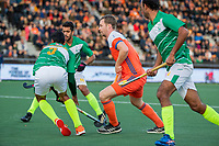 AMSTELVEEN - Mirco Pruyser (Ned)   tijdens  de tweede  Olympische kwalificatiewedstrijd hockey mannen ,  Nederland-Pakistan (6-1). Oranje plaatst zich voor de Olympische Spelen 2020.   COPYRIGHT KOEN SUYK