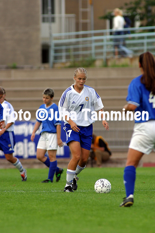 24.07.2002, Urheilupuisto, Turku, Finland..Open Nordic Tournament for Women Under-21,.Finland v Greece..Tiina Saario - Finland.©Juha Tamminen