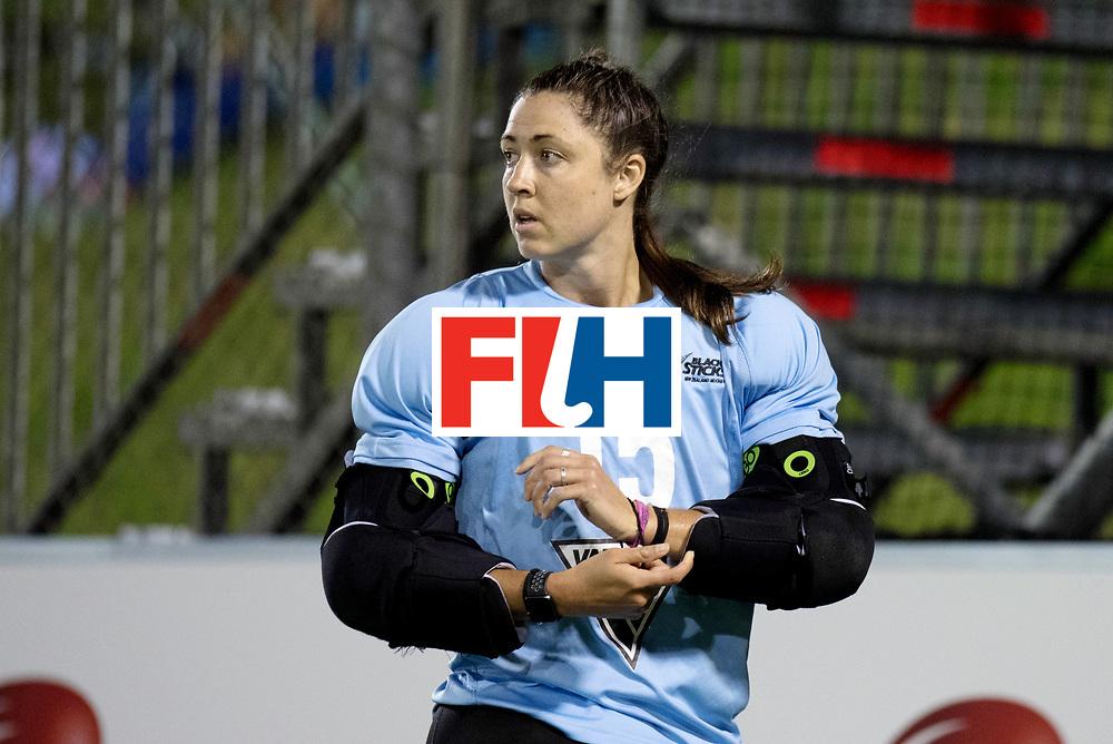 AUCKLAND - Sentinel Hockey World League final women<br /> Match id: 10300<br /> 10 New Zealand v USA<br /> Foto:  Grace O'hanlon (Gk)  cbanged.<br /> WORLDSPORTPICS COPYRIGHT FRANK UIJLENBROEK