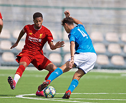 NAPLES, ITALY - Tuesday, September 17, 2019: Liverpool's Elijah Dixon-Bonner (L) and SSC Napoli's Francesco Marrazzo during the UEFA Youth League Group E match between SSC Napoli and Liverpool FC at Stadio Comunale di Frattamaggiore. (Pic by David Rawcliffe/Propaganda)