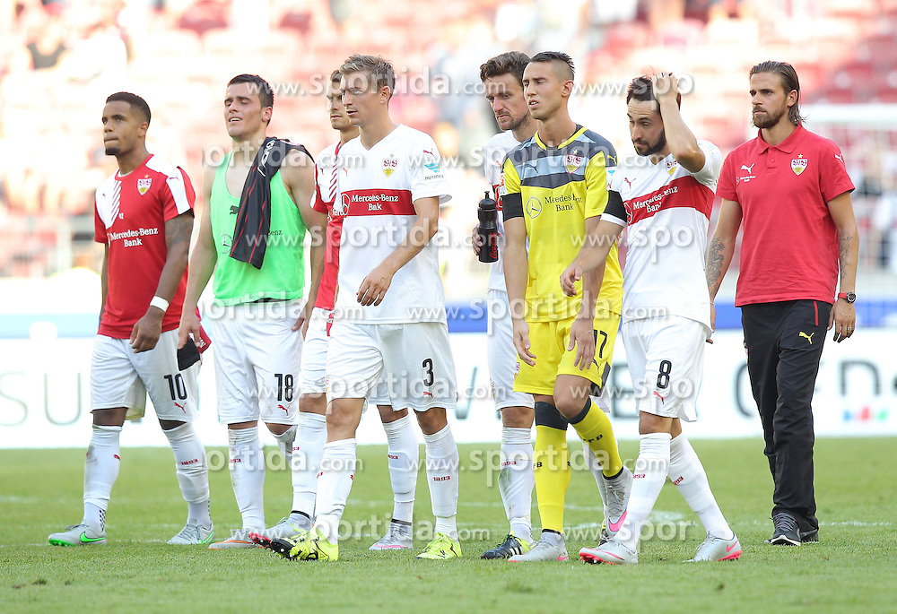 29.08.2015, Mercedes Benz Arena, Stuttgart, GER, 1. FBL, VfB Stuttgart vs Eintracht Frankfurt, 3. Runde, im Bild von links nach rechts Daniel Didavi ( VfB Stuttgart ) Filip Kostic ( VfB Stuttgart ) Daniel Schwaab ( VfB Stuttgart ) Christian Gentner ( VfB Stuttgart ) Odisseas Vlachodimos ( VfB Stuttgart ) Lukas Rupp ( VfB Stuttgart ) Martin Harnik ( VfB Stuttgart ) nach der 1:4 Niederlage // during the German Bundesliga 3rd round match between VfB Stuttgart and Eintracht Frankfurt at the Mercedes Benz Arena in Stuttgart, Germany on 2015/08/29. EXPA Pictures &copy; 2015, PhotoCredit: EXPA/ Eibner-Pressefoto/ Langer<br /> <br /> *****ATTENTION - OUT of GER*****