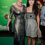 NLD/Scheveningen/20111106 - Premiere musical Wicked, Quinty Trustfull - van den Broek en dochter
