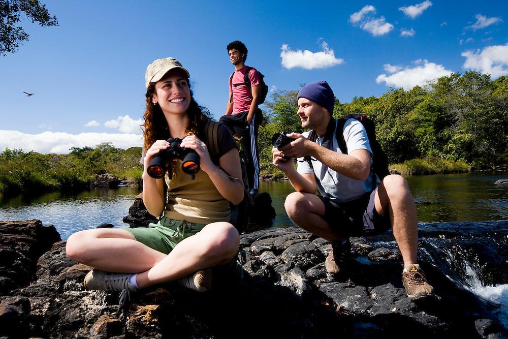Santana do Riacho_MG, Brasil...Grupo de turistas fotografando proximo ao Rio Cipo na Serra do Cipo.. .A tourists group taking photos next to the Cipo river in the Serra do Cipo...Foto: BRUNO MAGALHAES /  NITRO...