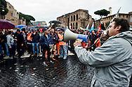 Roma 12 Novembre 2013<br /> Sciopero dei lavoratori della Metro C  per  chiedere lo sblocco, come da accordi gi&agrave; sottoscritti, con il Comune di Roma,  del pagamento dei 253 milioni dovuti al consorzio metro C. Gli operai bloccano via dei Fori Imperiali<br /> Rome November 12, 2013<br /> Strike of  workers  of the construction site subway C,  ask for the unlocking , as from undersigned accords already  with the City of Rome, of  the payment of 253 million due to the consortium  subway C. Workers block via dei Fori Imperiali