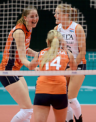 28-09-2014 ITA: World Championship Volleyball Mexico - Nederland, Verona<br /> Nederland wint met 3-0 van Mexico / Carlijn Jans, Kirsten Knip