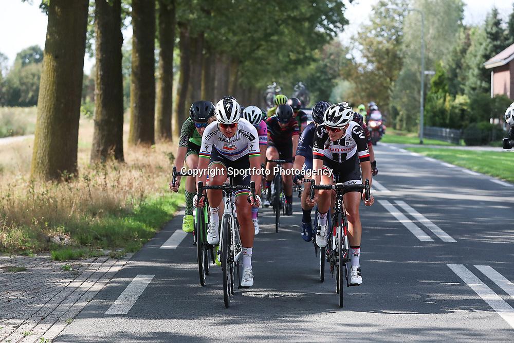 30-08-2018: Wielrennen: Ladies Tour: Gennep<br />wereldkampioen Chantal Blaak, Lucinda Brand