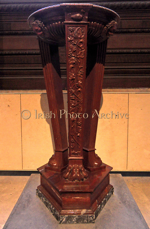 Large antique tripod pedestal from the Borghese collection. Italian, Made from Red Marble. Circa late eighteenth century.