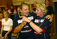 Håndball - Fet - Stord 24-21 11. september 2002. Marit Breivik ledet sin første eliteseriekamp for herrer noen sinne. Sammen med hovedtrener Zeljko Martincevic vant Breiviks lag Fet 24-21 over Stord.<br /> <br /> Foto: Andreas Fadum, Digitalsport