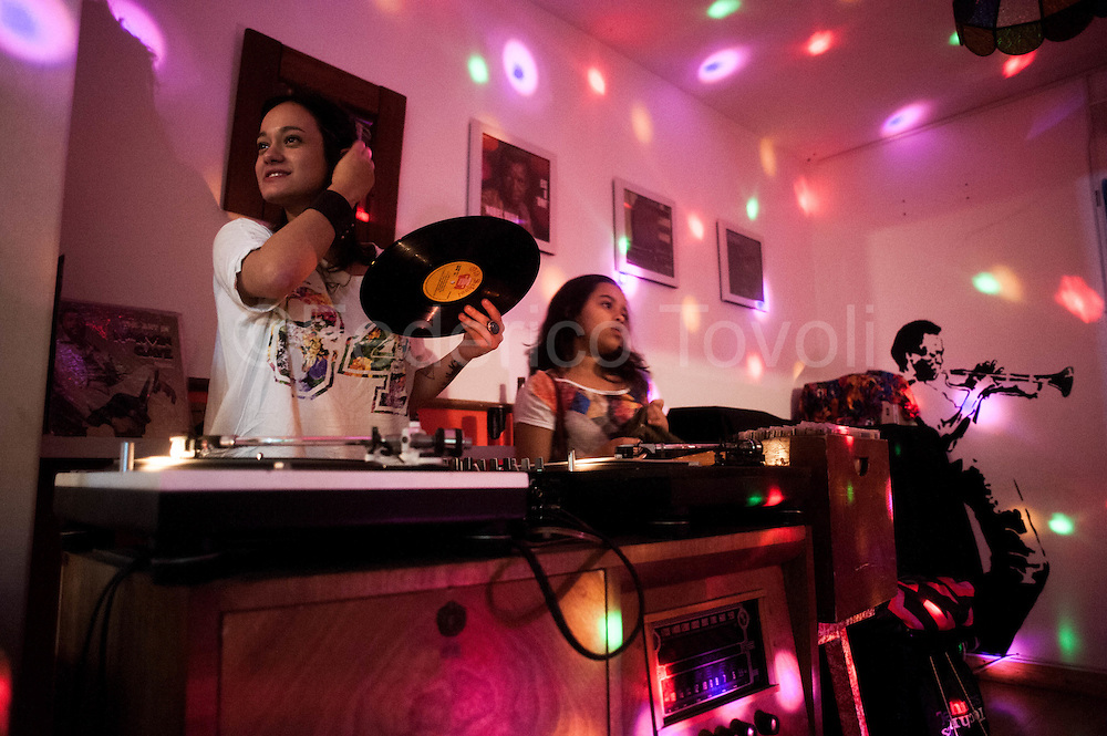Oldstyle DJ set at Casa Brasilis a store specialized in vinyl and with chill out area