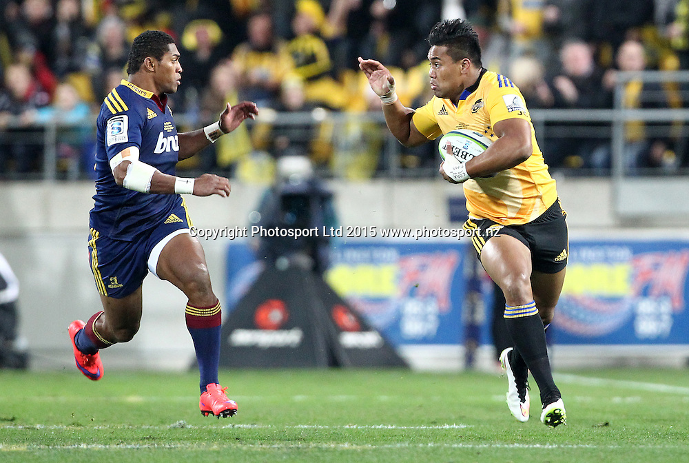 Hurricanes' Julian Savea & Waisake Naholo about to collide during the Super Rugby Final, Hurricanes v Highlanders. Westpac Stadium, Wellington, New Zealand. 4 July 2015. Copyright Photo.: Grant Down / www.photosport.nz