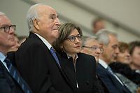 19 DEC 2014, DRESDEN/GERMANY:<br /> Helmut Kohl (L), CDU, Bundeskanzler a.D., und Maike Richter-Kohl (R), Ehefrau von Helmut Kohl, Veranstaltung der Konrad-Adenauer-Stiftung am 25. Jahrestag der Rede von Helmut Kohl vor der Ruine der Frauenkirche, Albertinum<br /> IMAGE: 20141219-01-088<br /> <br /> KEYWORDS: Frau, Gattin, wife
