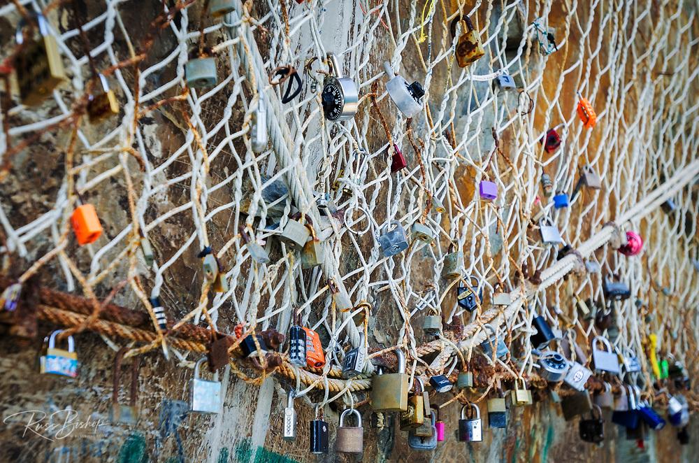 Love locks on the Via dell'Amore, Riomaggiore, Cinque Terre, Liguria, Italy