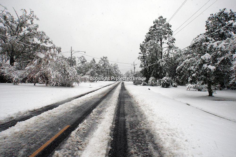 Scenes from Ponchatoula, and Hammond Louisiana where a rare blanket of snow covered the area. (Photo by Derick Hingle) ***** Do Not download, or distribute photos without permission of the photographer, photos are protected by copyright. *****