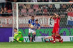 12-05-2018 NED: FC Utrecht - Heerenveen, Utrecht<br /> FC Utrecht win second match play off with 2-1 against Heerenveen and goes to the final play off / Marco Rojas #7 of SC Heerenveen score the 2-1. David Jensen #1 of FC Utrecht, Reza Ghoochannejhad #9 of SC Heerenveen, Rico Strieder #6 of FC Utrecht, Sean Klaiber #17 of FC Utrecht