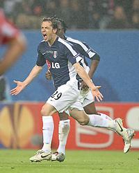 12.05.2010,  Fussball Europa-League 2009/2010 Finale: Atletico Madrid - FC Fulham, in der Hamburger HSH-Nordbank-Arena, Jubel Fulham zum 1:1 , Torschütze Simon Davies (FC Fulham)