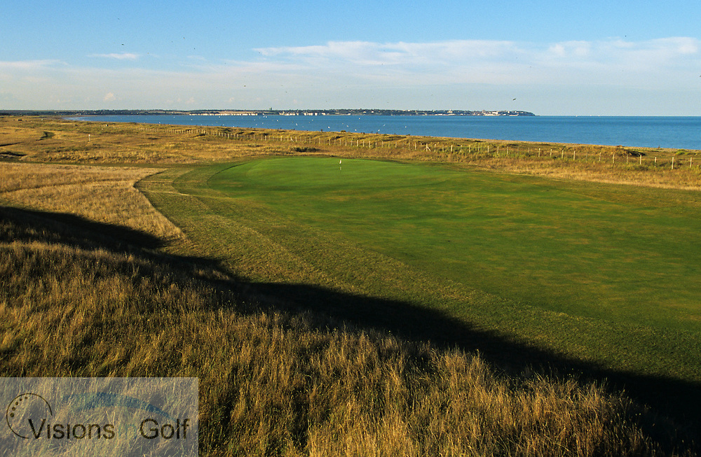 7th hole, Royal St. Georges GC<br /> Sandwich, Kent. UK Venue for the 2003 Open Championship<br /> Photo Mark Newcombe