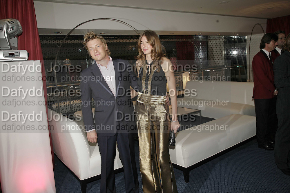 Jamie and Jules Oliver, GQ Men Of The Year Awards, Royal Opera House, London, WC2. 5 September 2006. ONE TIME USE ONLY - DO NOT ARCHIVE  © Copyright Photograph by Dafydd Jones 66 Stockwell Park Rd. London SW9 0DA Tel 020 7733 0108 www.dafjones.com