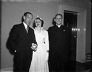 17/11/1952<br /> 11/17/1952<br /> 17 November 1952<br /> Wedding of Brian Durin (External Affairs) to Ita O'Mahoney (Abbey Theatre) reception at the Shelbourne Hotel, Dublin.