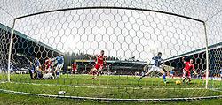 Aberdeen&rsquo;s Adam Rooney scoring their first goal.  <br /> St Johnstone 3 v 4Aberdeen, SPFL Ladbrokes Premiership played 6/2/2016 at McDiarmid Park, Perth.