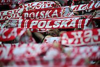 WARSZAWA 17.10.2012 WARSAW STADION NARODOWY PILKA NOZNA REPREZENTACJA KADRA MECZ ELIMINACYJNY DO MISTRZOSTW SWIATA 2014 POLSKA - ANGLIA FOOTBALL INTERNATIONAL GAME POLAND - ENGLAND N/Z SZALIKI KIBICE FANI KIBIC DOPING .FOT PIOTR MATUSEWICZ / PRESSFOCUS