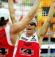 Volleyball, Sandvolleyball, World Tour Stavanger, Grand Slam, 02/07-05,<br />Bård Inge Pettersen jubler mot Iver Horrem,<br />Foto: Sigbjørn Andreas Hofsmo, Digitalsport