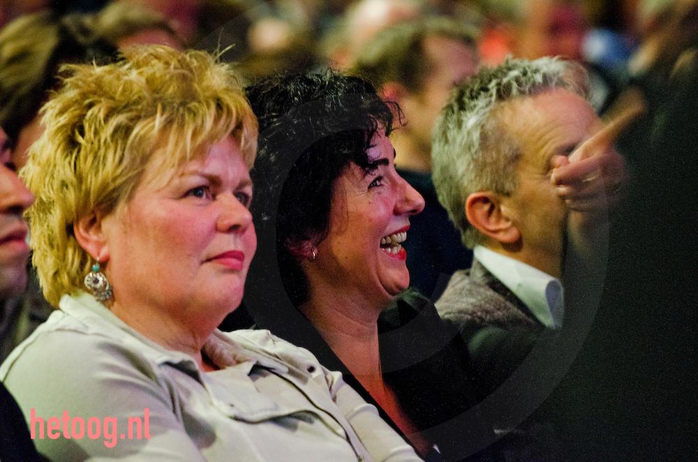nedrland,utrecht 05feb2011 Femke Halsema nam afscheid als fractievoorzitter van groenlinks en lacht om een persoonlijke grap van Jolande Sap. Op het congres van groen links in utrecht veel moties en stemmingen over de politie missie naar afghanistan en het bepalen van de lijst voor de eerste kamer