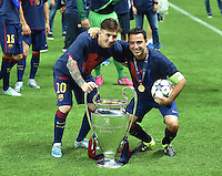 FUSSBALL  CHAMPIONS LEAGUE  FINALE  SAISON 2014/2015  06.06.2015 Juventus Turin - FC Barcelona JUBEL CHL Sieger 2015  FC Barcelona: Lionel Messi (li) und Andres Iniesta mit Pokal