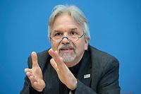 17 FEB 2016, BERLIN/GERMANY:<br /> Albert Recknagel, Vorstandssprecher von terre des hommes, Pressekonferenz zum Thema Fluchtursachen von Asylsuchenden, Bundespressekonferenz<br /> IMAGE: 20160217-02-008
