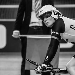 28-12-2014: Wielrennen: NK Baanwielrennen: Apeldoorn Kirsten Wild