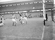 Neg No:.558/7546-7649...1081954AISFCSF...01.08.1954..All Ireland Senior Football Championship - Semi-Final    .Meath.1-5.Cavan.0-7..