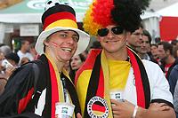 GEPA-0706085326 - SALZBURG,AUSTRIA,07.JUN.08 - FUSSBALL - UEFA Europameisterschaft, EURO 2008, Host City Fan Area Salzburg, Fanmeile, Fan Meile, Public Viewing, Fan Zone. Bild zeigt Fans von Deutschland.<br />Foto: GEPA pictures/ Sebastian Krauss