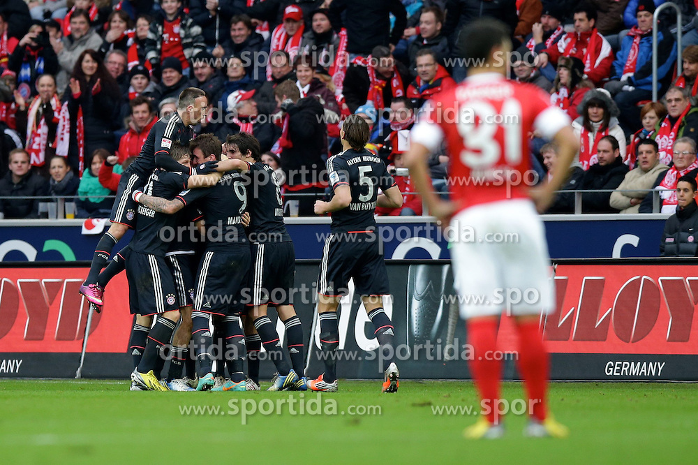 02.02.2013, Coface Arena, Mainz, GER, 1. FBL, 1. FSV Mainz 05 vs FC Bayern Muenchen, 20. Runde, im Bild Jubel FC Bayern nach dem 0-1 durch Thomas MUELLER (FC Bayern Muenchen - 25) - verdeckt // during the German Bundesliga 20th round match between 1. FSV Mainz 05 and FC Bayern Munich at the Coface Arena, Mainz, Germany on 2013/02/02. EXPA Pictures © 2013, PhotoCredit: EXPA/ Eibner/ Gerry Schmit..***** ATTENTION - OUT OF GER *****