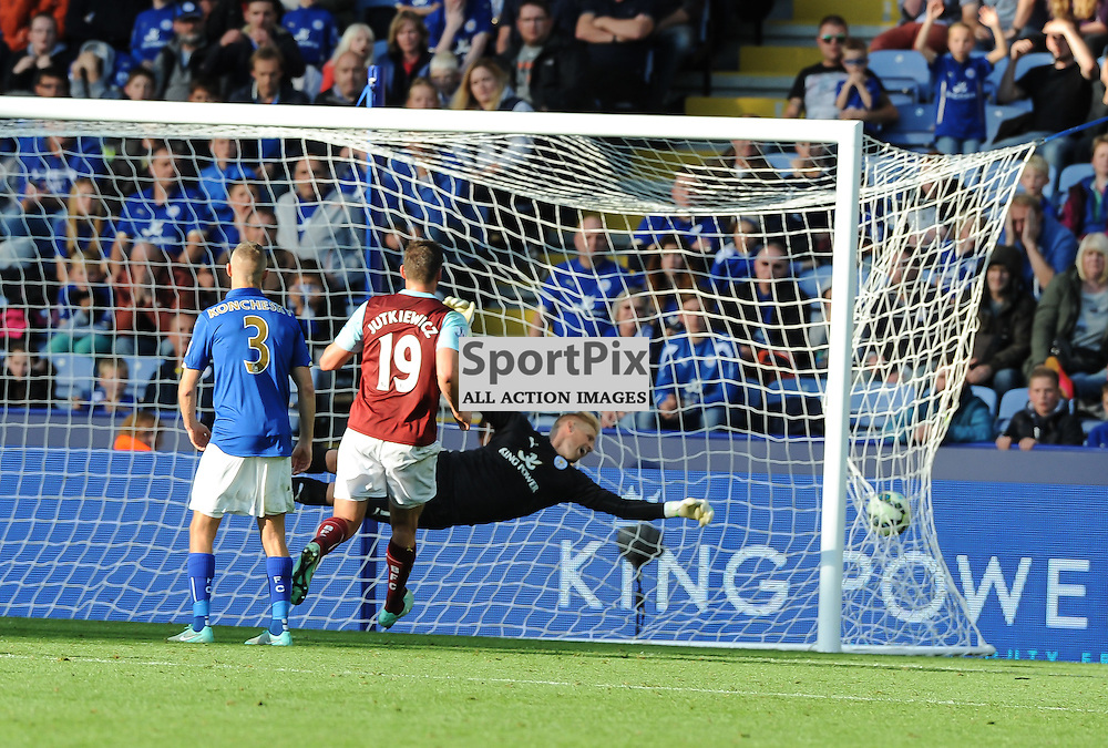 Ross Wallace curls in an injury time free kick to save a point for Burnley (c) Simon Kimber | SportPix.org.uk