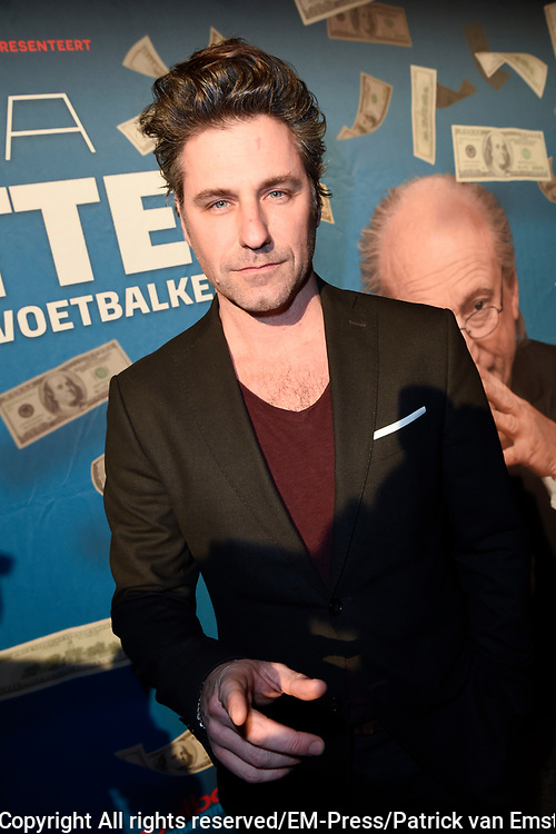Premiere FIFA Blatter, de val van de voetbalkeizer in Schouwburg Het Park, Hoorn.<br /> <br /> op de foto:  Frederik  Brom