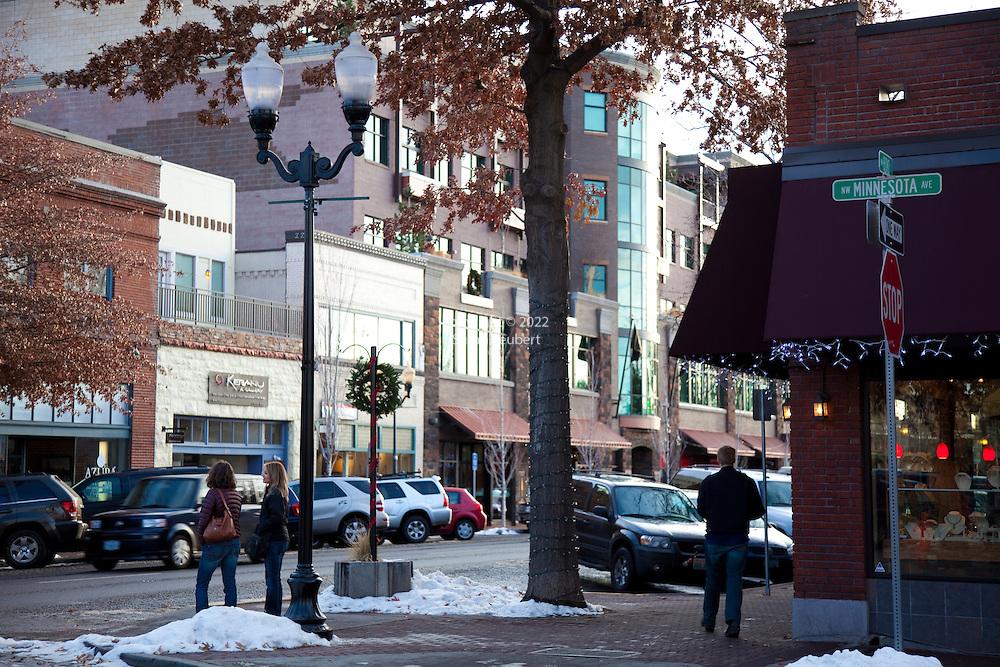 A typical winter street scene in downtown Bend, Oregon