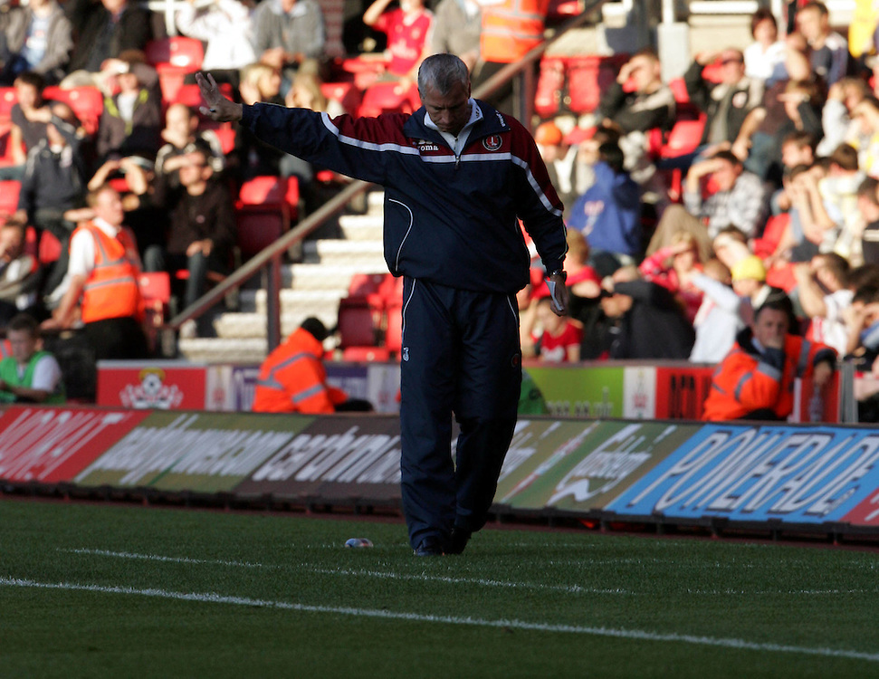 Alan Pardew. Southampton v Charlton Athletic, Championship, St Marys, Southampton. 3rd November 2007.