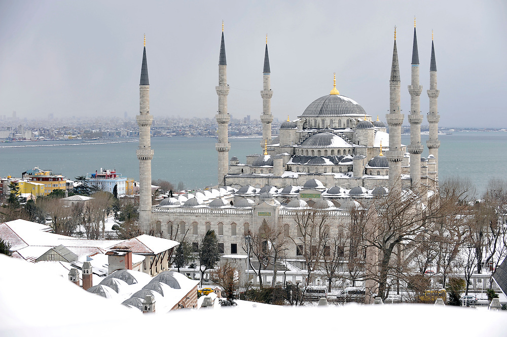 USE ARROWS ← → on your keyboard to navigate this slide-show<br /> <br /> Istanbul, Turkey 18 February 2008 <br /> View of a snow-covered Blue Mosque, Istanbul. <br /> Photo: Ezequiel Scagnetti