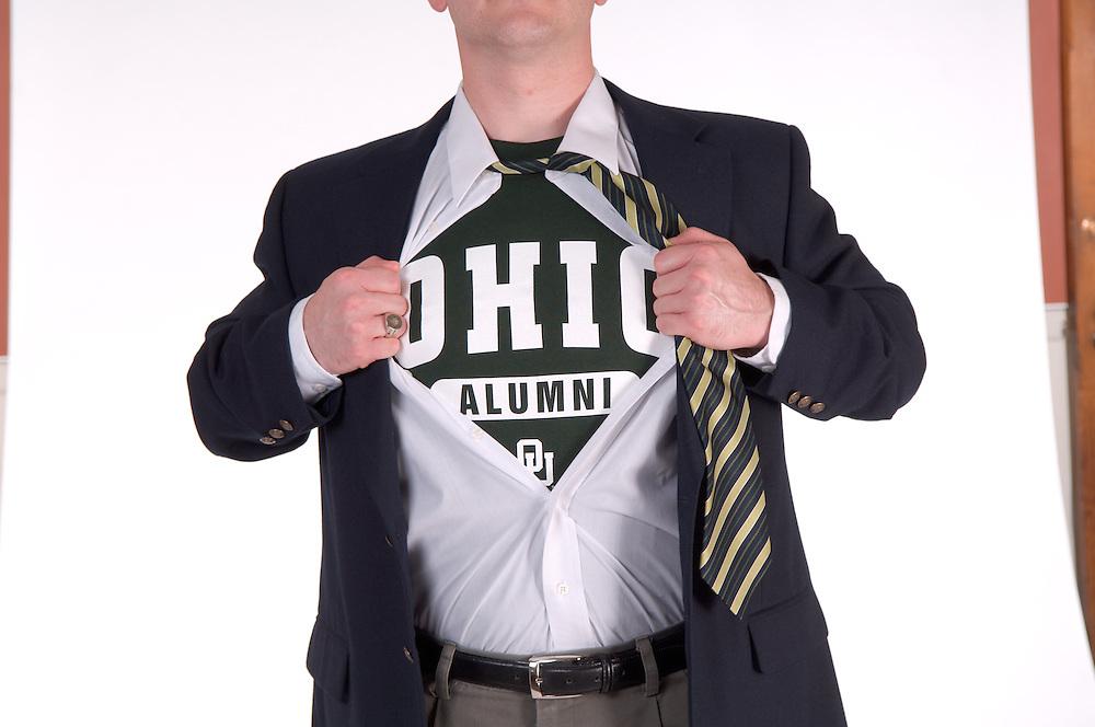 18283Ohio Alumni ?Superman? pose T-Shirt with Sport Jacket