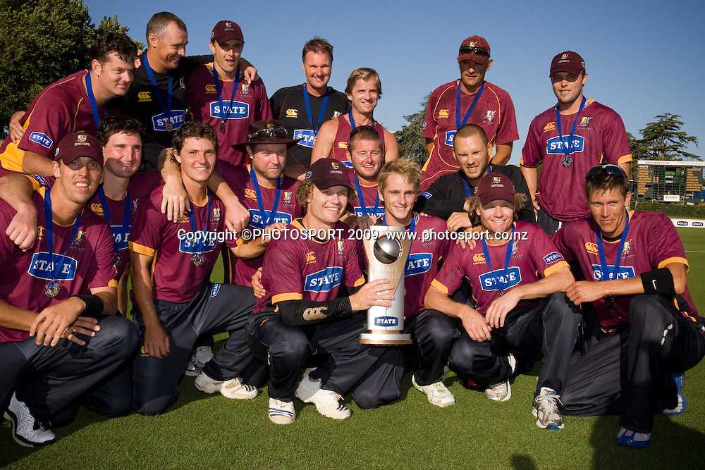 James Marshall holds the State Shield and celebrates with his team after the cricket final between the State Northern Knights and State Otago Volts won by the Knights by 49 runs at Seddon Park, Hamilton, New Zealand, Saturday 31 January 2009.  Photo: Stephen Barker/PHOTOSPORT