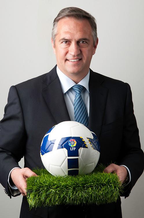 Jose Luis Astiazaran, Presidente de la Liga de Futbol Profesional en la sede de la LFP de Madrid.